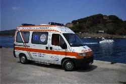 ambulanza pa8 della pubblica assistenza porto azzurro