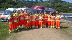 Gruppo volontari Pubblica Assistenza Porto Azzurro Isola d Elba durante la festa dei 30 anni