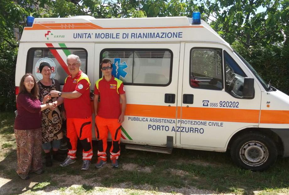 Ambulanza della Pubblica Assistenza Porto Azzurro in Africa