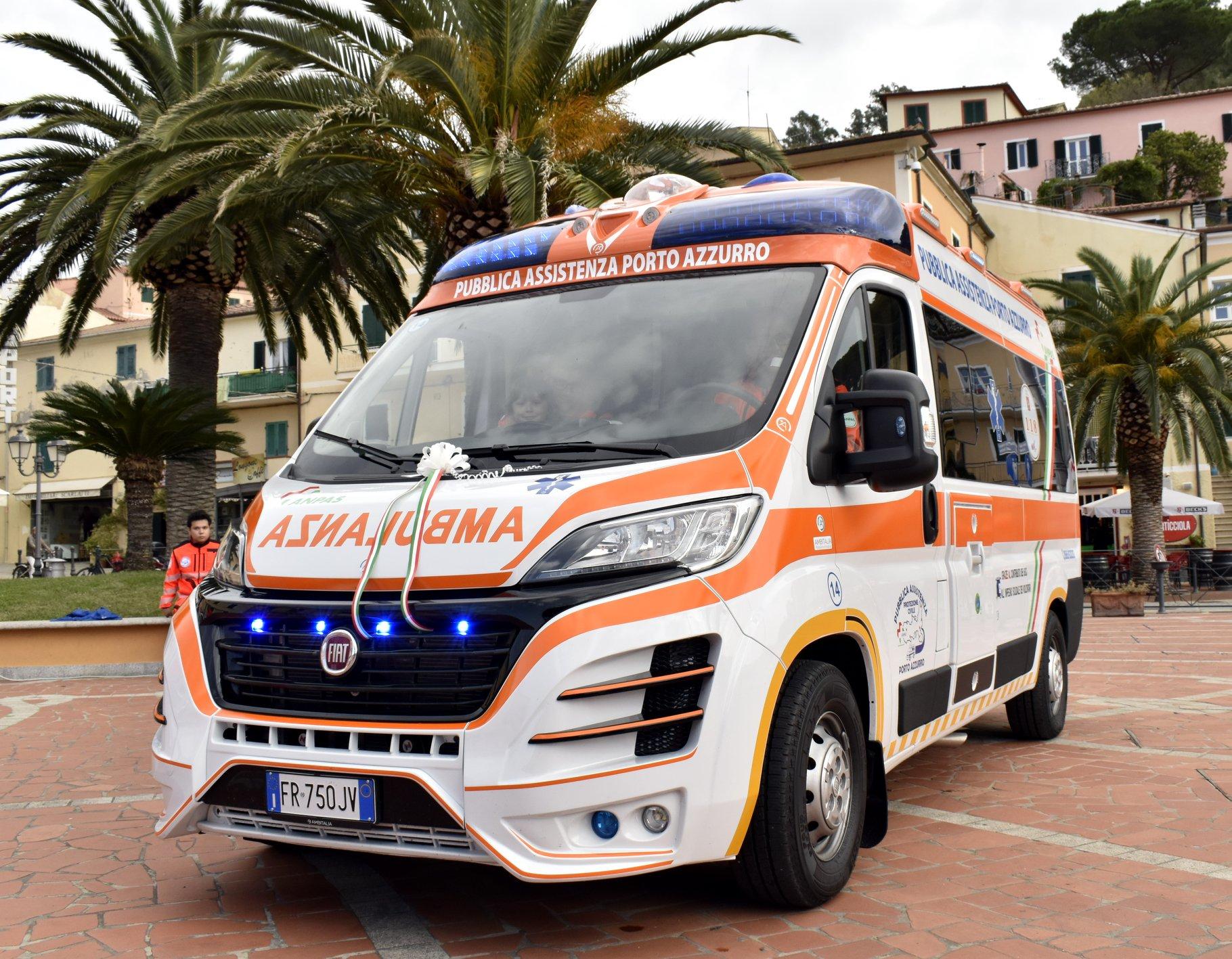La nuova Ambulanza 118 della Pubblica Assistenza Porto Azzurro