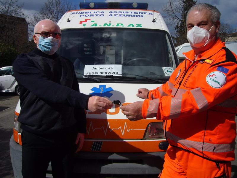 un ambulanza per il Camerun